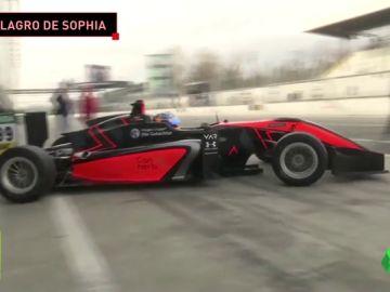 Sophia Floersch vuelve a pilotar 106 días después de su brutal accidente en Macao