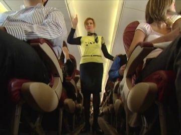 Apaga y vámonos, ¿por qué se apaga la luz de los aviones al despegar y aterrizar?