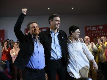 García-Page, Sánchez y Zamora durante el acto de precampaña celebrado en C.Real