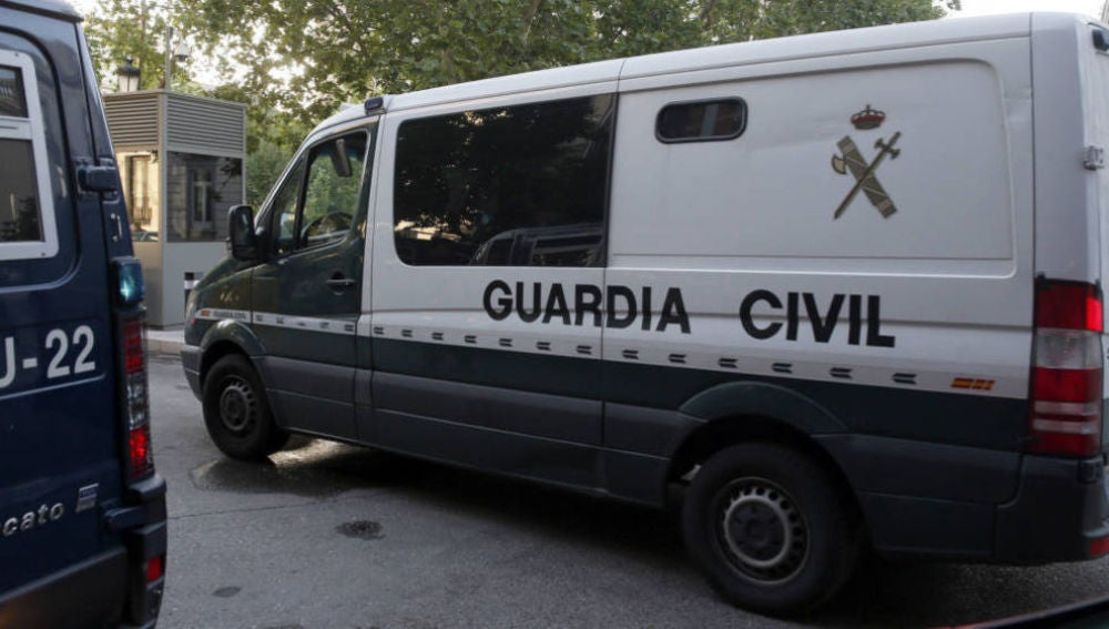 Furgón de la Guardia Civil.