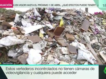 Del vertedero ilegal, al mar y del mar a nuestros estómagos: los peligros de la basura que se acumula en la costa de Santander