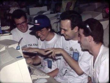 En un campo de Málaga rodeado de olivos: así fue la 'Campus Party' de 1997 que dio el pistoletazo de salida a la concentración de internautas