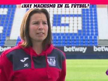 """Jara Cuenca, utillera y entrenadora del Infantil B del Leganés: """"Por suerte no he tenido que vivir insultos machistas"""""""