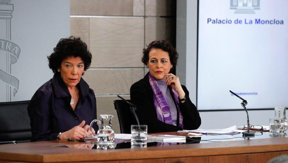 La portavoz del Gobierno, Isabel Celaá, y la ministra de Trabajo, Magdalena Valerio