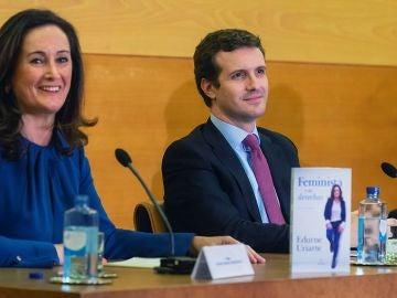 """Pablo Casado durante la presentación del libro de Edurne Uriarte titulado """"Feminista y de derechas"""""""