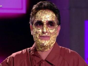 Josie cubierto de oro