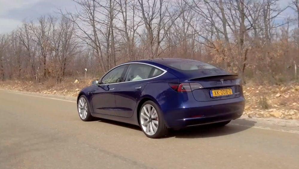 Tesla lanza en México el Model 3, su auto más barato