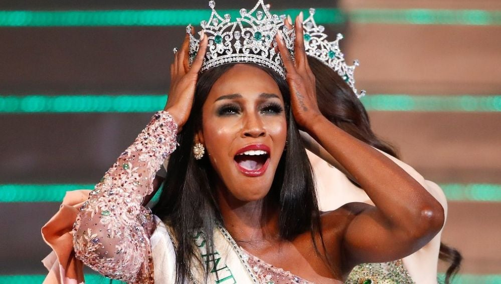 La ganadora del certamen de belleza Miss International Queen 2019, la estadounidense Jazell Barbie Royale