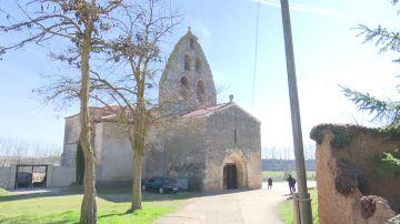 La lucha de los nueve vecinos de Quintanilla de Riofresno para salvar el centenario retablo de su iglesia