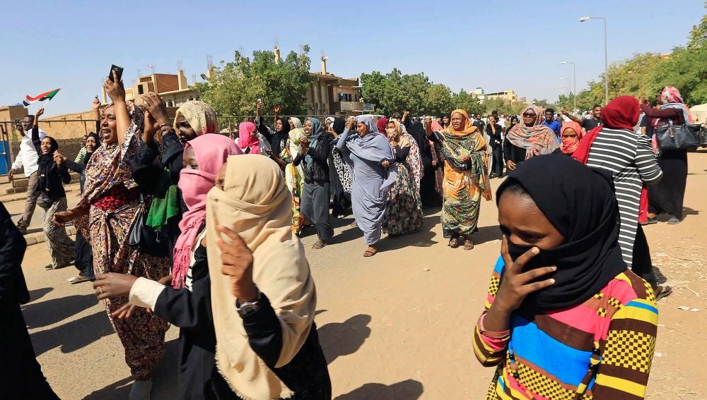 Mujeres sudanesas se manifiestan