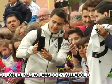 """Reguilón, el más aclamado en la llegada del Real Madrid a Valladolid: """"¡Eres un crack!"""""""