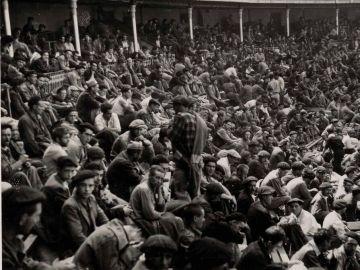 Campo de concentración en la plaza de toros de Santander.