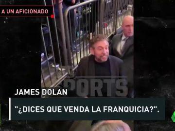 """El dueño de los Knicks echa a un aficionado que le pide que venda el equipo: """"Pásalo bien viéndolo por televisión"""""""