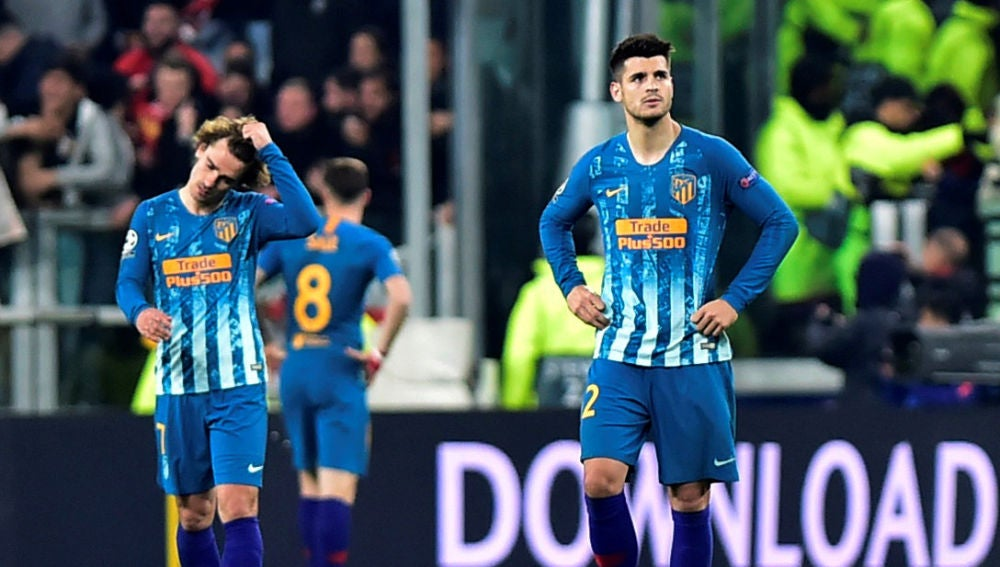 Griezmann se lamenta tras un gol de Cristiano