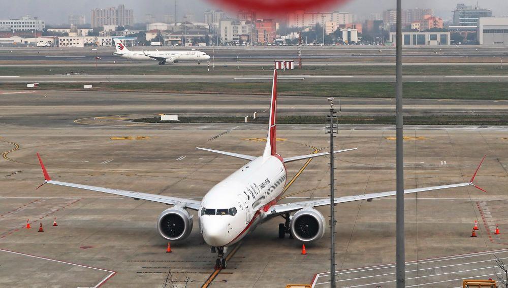 Vista de un avión de pasajeros Boeing 737 Max 8 en el aeropuerto de Shangai
