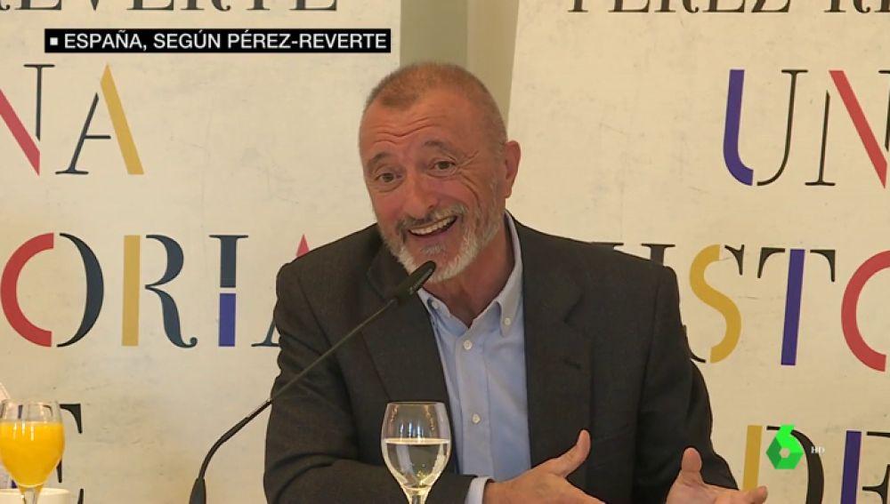 """Arturo Pérez Reverte llama a recomponer España en su nuevo libro: """"Es un Estado en demolición"""""""