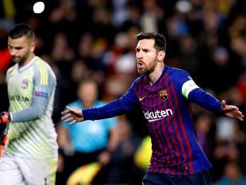 Messi celebra un gol ante el Olympique de Lyon