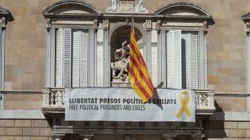 Edificios públicos de la Generalitat con lazos amarillos
