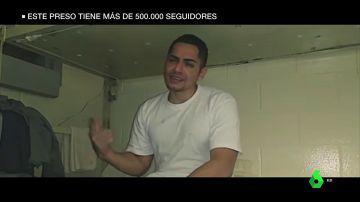 La vida del preso 'influencer' que triunfa en Internet: cuenta desde sus peleas en prisión hasta recetas de comida
