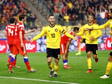 Hazard celebra un gol contra Rusia