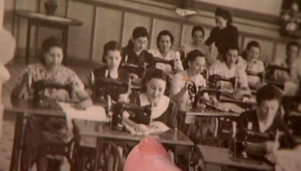 La realidad que Franco no quería que saliera en la foto: máquinas de coser para dar buena imagen a las presas