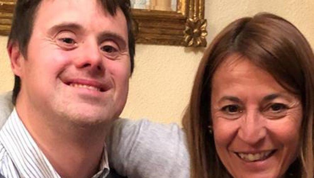 La candidata del PP a la Alcaldía de Cáceres junto a Jesús Bermejo