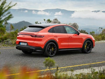 Porsche Cayenne Coupé: nace el Cayenne más deportivo, con 4 plazas y hasta 550 CV