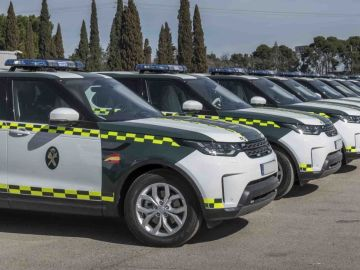 La DGT incorpora 85 Land Rover Discovery a la flota de la Guardia Civil de Tráfico