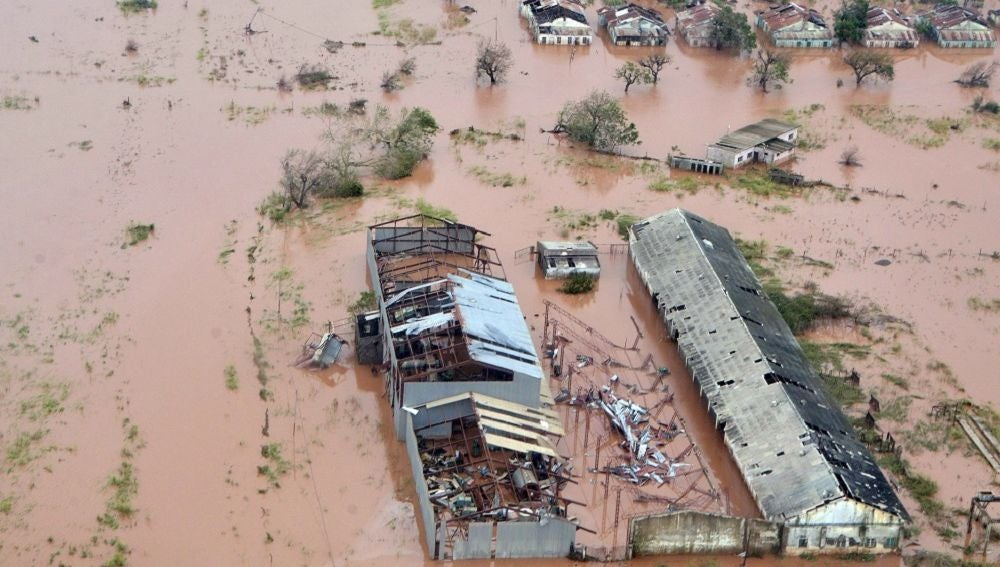 Vista aérea de los daños causados por las inundaciones después de que el ciclón Idai tocó tierra en la provincia de Sofala, Mozambique