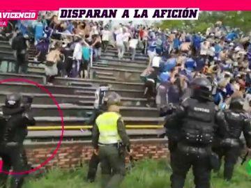 Brutal pelea entre Barras de Llaneros y Millonarios: algunos se tiran de la grada