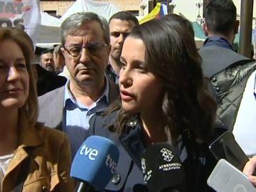 """Inés Arrimadas: """"El señor Pedro Sánchez estaba encantado con la propaganda de los lazos amarillos"""""""