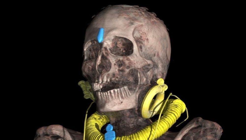 """Fotografía de la secuencia del """"desvendado virtual"""" de la momia de Kha"""