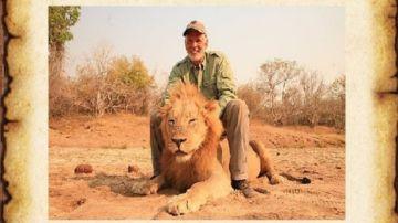 Imagen del cazador que la protectora de animales colgó en su Twitter