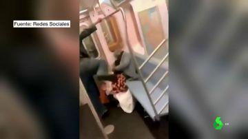 Detienen al hombre que agredió brutalmente a una anciana de 78 en el metro de Nueva York