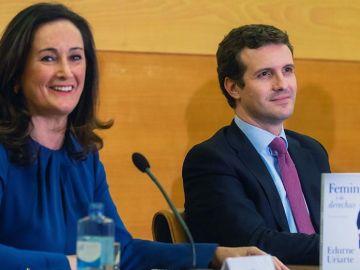 El líder del PP, Pablo Casado, y la politóloga, Edurne Uriarte.