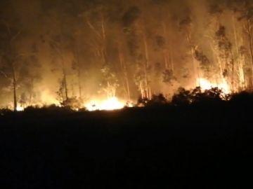 Imagen de un incendio forestal en Rianxo, Galicia