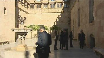 Retiran el lazo amarillo el interior de la Generalitat