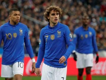Antoine Griezmann jugando con Francia