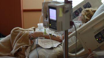 Imagen de archivo de una mujer en un hospital