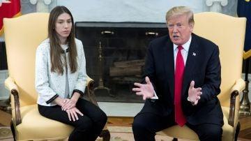 El presidente de EEUU, Donald Trump, y la esposa de Juan Guaidó, Fabiana Rosales.