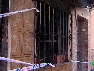 Detenido un hombre en Málaga acusado de incendiar su casa mientras su mujer estaba dentro