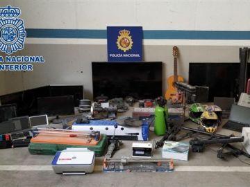 Parte del material incautado por los agentes de la Policía Nacional