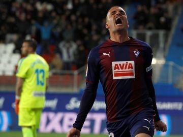 Pedro León celebra su gol ante el Rayo