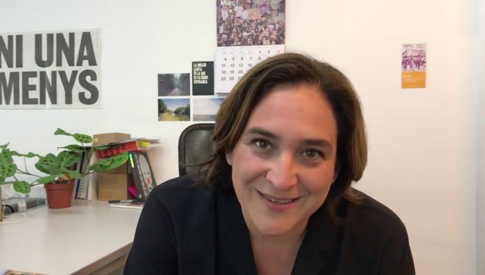 """El comentado vídeo de la youtuber Ada Colau: de """"los chicos rancios"""" de Vox a su """"gente superpower"""""""