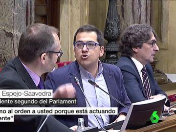 """Tensión entre el Vicepresidente del Parlament y la oposición después de que Inés Arrimadas leyese artículos """"xenófobos"""" de Quim Torra"""