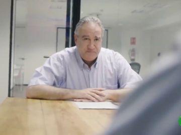 La campaña viral con la que un hijo intenta buscarle un trabajo a su padre de 59 años