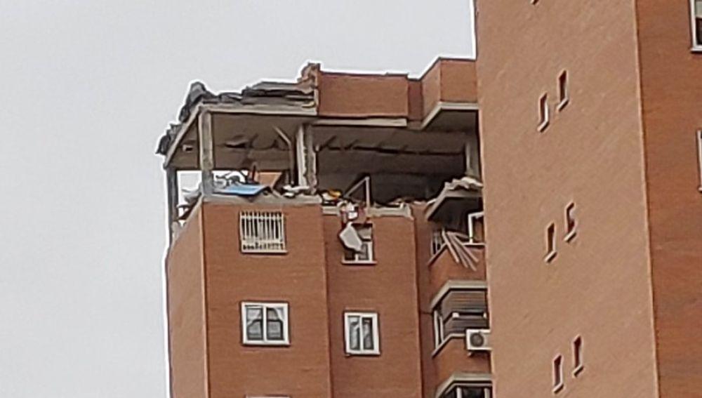 Destrozos en un edificio de Vallecas tras una explosión