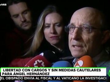 """En libertad sin medidas cautelares Ángel Hernández, el hombre que ayudó a su mujer a suicidarse: """"Hay que ayudar a mucha gente en la misma situación"""""""