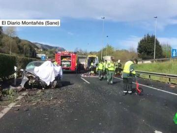 Muere una persona en una colisión provocada por un vehículo que circulaba en sentido contrario en la A-8 en Cantabria