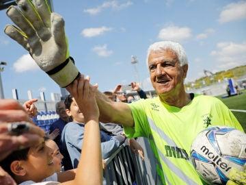 Itzhak Hayk, portero israelí de 73 años